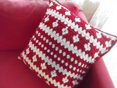 Faux Fana Pillow By Astri Bowlin - Free Crochet Pattern - (appleblossomdreams)