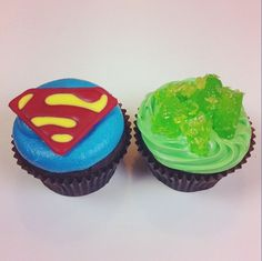 Superman and Kryptonite cupcakes! :D