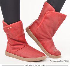 Bota linda, quentinha e estilosa da Cravo e Canela! ❤️ Também disponível na cor bege.#moda #calçados #sapato #bota #inverno #tendência #trend #look #shop #lojaonline #ecommerce #lnl #looknowlook | Preço sujeito a alteração.