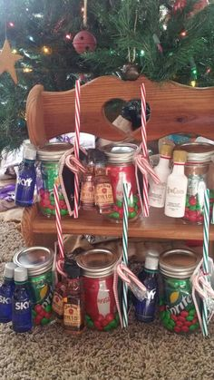 Birthday gifts for him alcohol christmas holidays 35 Ideas Christmas Gifts For Coworkers, Cute Christmas Gifts, Christmas Baskets, Christmas Mason Jars, Simple Christmas, Holiday Gifts, Christmas Holidays, Christmas Ideas, Christmas Crafts