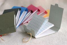 Libros de notas en miniatura   -   Mini books. How cute!!!