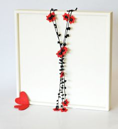 Crochet Lariat Necklace Oya Red Flowers Black Leaves by ReddApple