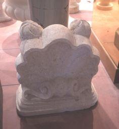Scultura in pietra - http://achillegrassi.dev.telemar.net/project/scultura-pietra-6/ - Interessante realizzazione, inPietra bianca del Palladio levigata, di un piccolo elemento a forma di conchiglia sapientemente decorato dai nostri abili scalpellini. Dimensioni: – 40cmx 40cm x 18cm