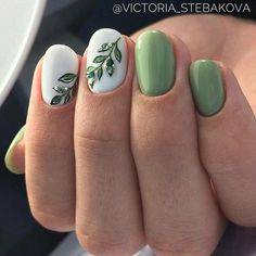 Nagellack Amazing Chic Green Nail Art Ideas Lawn Care Tips And Proper Lawn Maintenance Article B Green Nail Designs, Classy Nail Designs, Nail Designs Spring, Nail Art Designs, Cute Simple Nail Designs, Gel Manicure Designs, Nail Art Vert, Nail Art Blanc, Spring Nail Art