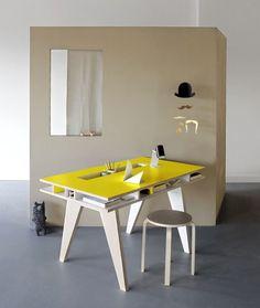 furniture, children's furniture, children's desks, Insekt desk, Buisjes en Beugels, Molly-Meg, published by Bobby Rabbit