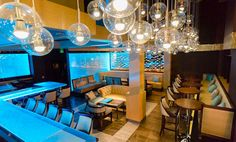 TEXAS TOP INTERIOR DESIGNERS: DESIGN DUNCAN MILLER ULLMANN - Aqua Lounge | Luxury Interior Design | Design Inspiration | www.homeandecoration.com #interiordesign styles #duncanmillerullmann #homedecor #designideas #moderndesign #luxuryinterior #topinteriordesigners