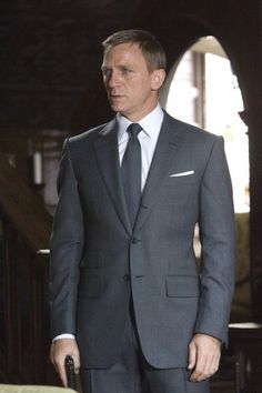 Tom Ford suit from deleted scene of Quantum of Solace