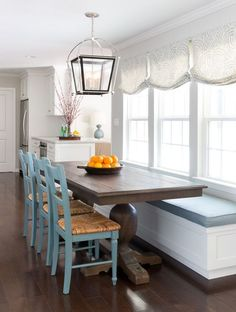 Rumors, Lies and Banquette Seating in Kitchen Breakfast Nooks – pecansthomed… – Esszimmer Bench Seating Kitchen Table, Kitchen Benches, Bench Seat Dining Room, Booth Dining Table, Kitchen Banquette Ideas, Built In Dining Room Seating, Banquet Seating, Cottage Dining Rooms, Dining Nook