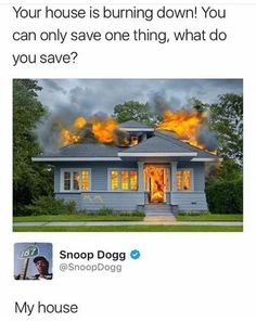"""26 Snoop Dogg Memes That'll Make You Want To Drop It Like It's Hot - Funny memes that """"GET IT"""" and want you to too. Get the latest funniest memes and keep up what is going on in the meme-o-sphere. All Meme, Stupid Funny Memes, Funny Tweets, Funny Relatable Memes, Dank Memes Funny, Funny Sarcastic, Offensive Memes, Snoop Dogg, 9gag Funny"""