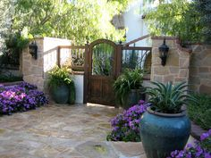 Lovely(!) courtyard ~ awesome gate!