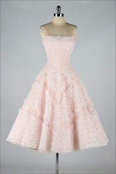 ♥ Cute Vintage Light Pink Dress with Ruffles