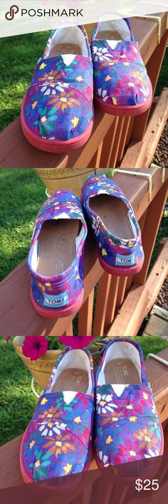Toms Pre owned used in nice shape. Purple floral design.  Girls Y5 size. No rips holes or foul odors!!! Slip on!!! Toms Shoes Slippers