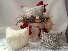 1 million+ Stunning Free Images to Use Anywhere Craft Stick Crafts, Diy And Crafts, Arts And Crafts, Chicken Crafts, About Easter, Deco Table, Spring Crafts, Easter Crafts, Pin Cushions