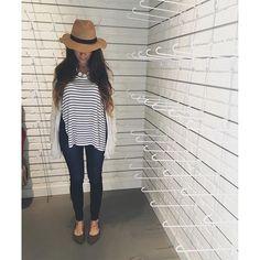 Today's #ootd 🌼🌾🍂 #ootn #motd #ardenelove #stripes #fashionblog #fashionblogger #fashiongram #instafashion #americaneagle #style #blog #fall #fallfashion #like4likw #style