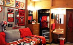 Bedroom Ideas For Small Rooms For Teens Boys College Dorms