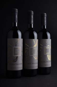 Diseño de etiqueta para CASA VALDUGA | JVD Estudio de diseño Wine Bottle Design, Wine Label Design, Wine Labels, Bottle Labels, Different Wines, Bottle Packaging, In Vino Veritas, Bar, Cellar
