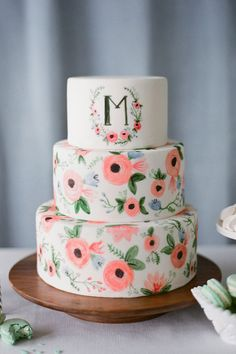La Vie en Rose: This darling cake by Seattle-based bakery The Sweet Side is a wonderful edible interpretation of stationer Anna Bond's wonderful hand-painted wedding invitations.
