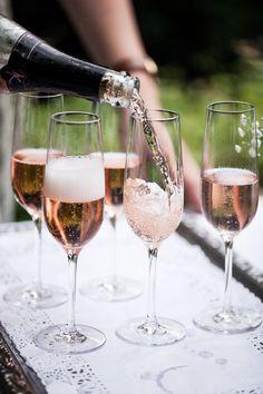 Alcoholic Drinks, Tableware, Glass, Paper Mill, Deko, Newlyweds, Alcoholic Beverages, Dinnerware, Drinkware