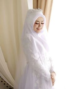 60 Ideas Makeup Simple Hijab For 2019 Muslimah Wedding Dress, Muslim Wedding Dresses, Hijab Bride, Muslim Brides, Wedding Bridesmaid Dresses, Dress Wedding, Wedding Hijab Styles, Muslim Couples, Hijab Simple
