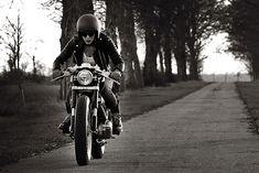 '01 Kawasaki W650 – Old Empire Motorcycles