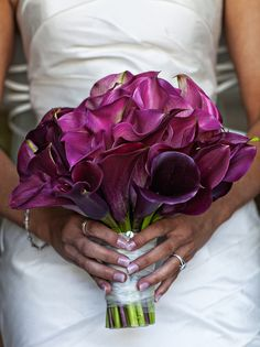 Get expert wedding planning advice and find the best ideas for wedding decorations, wedding flowers, wedding cakes, wedding songs, and more. Purple Wedding, Wedding Flowers, Wedding Day, Wedding Bouquets Pictures, Wedding Photos, Hanging Tea Lights, Eggplant Wedding, Mason Jar Lanterns, Wedding Photo Gallery