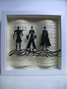 Bookish art inspired by the Harry Potter series, written by J. K. Rowling #literaryart http://writersrelief.com/