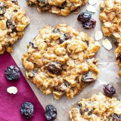 my favorite easy recipe for moist and chewy oatmeal cookies bursting with plump raisins and amazing flavor! Vegan Oatmeal Cookies, Healthy Peanut Butter Cookies, Chocolate Chip Oatmeal, Paleo Chocolate, Coconut Chocolate, Chocolate Cupcakes, Oatmeal Breakfast Bars, Breakfast Cookies, Oatmeal Cups