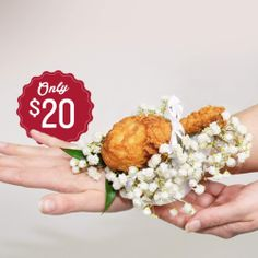 Drumstick corsage is available from KFC for prom-goers who want their formal wear to double as a snack. The drumstick corsage is the latest in a slew of marketing stunts aimed at luring the important yet elusive to customer. Baked Chicken Recipes, Fried Chicken, Kfc Offers, Olive Garden Recipes, Panera Bread, Fast Food Chains, Chicken Drumsticks, Food Industry, Advertising Industry