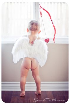 Happy Valentines Day! ♡ Baby Photography | Portraits | Photo Session Inspiration | Pose Idea | Poses | Family | Theme | Cupid | Prop Ideas
