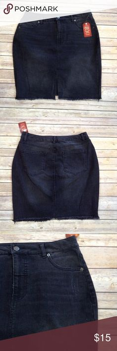 """Faded Glory distressed black denim pencil skirt This 5 pocket soft denim pencil skirt features a fringed hem. Split at front hem for ease in moving.  APPROX FLAT MEASUREMENTS 19"""" ↕️ 15.5"""" ↔️ waist 21"""" ↔️ hips BJ7 Faded Glory Skirts Pencil"""