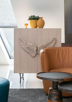 Sideboard, Accent Chairs, Mango, Rugs, Home Decor, White Oak Tree, Chest Of Drawers, Types Of Wood, Upholstered Chairs