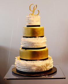 Suspended Wedding Cakes