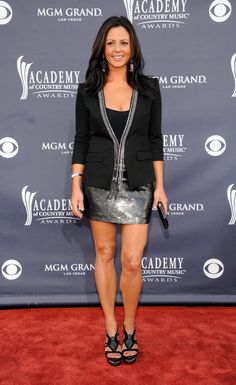 Sara Evans Country Female Singers, Country Musicians, Country Music Artists, American Country Music Awards, Star Fashion, Fashion Outfits, Sara Evans, Hot Country Girls, Brown Eyed Girls