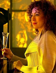 'The Name Of The Doctor': Madame Vastra (Neve McIntosh) & River Song (Alex Kingston). Doctor Who. Doctor Who Tv, First Doctor, Eleventh Doctor, Madame Vastra, Doctors Series, Alex Kingston, Hello Sweetie, Tv Reviews, Bbc One