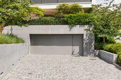 Garagenvorplatz mit Naturstein Dream Garden, Bungalow, Garage Doors, Loft, Outdoor Decor, Home Decor, Style, Pavement, Natural Stones