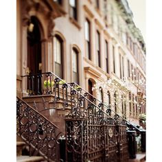 The Apartment - NYC Print, Carrie Bradshaw's Apartment in Greenwich... (€27) ❤ liked on Polyvore featuring backgrounds, pictures, photos, places, city and fillers