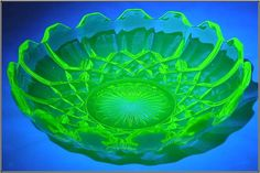 Vaseline Uranium Glass Bowl, Diamond Pattern