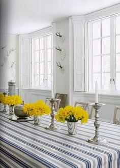 Carolyne Roehm 1 500x702 Rustic Gustavian Swedish Furniture