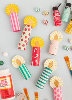 Don't throw away your empty wrapping paper tubes this holiday - save them for this festive craft! Recycled Christmas Decorations, Christmas Crafts For Kids, Holiday Crafts, Christmas Diy, Diwali Craft For Children, Advent Candles, Diy Candles, Festive Crafts, Candle Craft