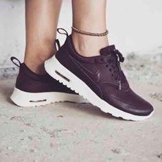 Nike Air Max Tavas Heel Height