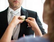 Groom  www.liviofotografie.com  www.ilbiancoeilrosa.it #weddingintuscany #groom #boutonniere