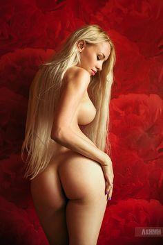 redhead-peachesnude
