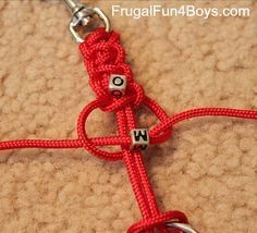How to make parachute cord key chains and zipper pulls keychain key fobs How to Make Parachute Cord (Paracord) Zipper Pulls and Keychains - Frugal Fun For Boys and Girls Paracord Zipper Pull, Paracord Keychain, Diy Keychain, Paracord Bracelets, Parachute Cord Crafts, Parachute Cord Bracelets, Bracelet Crafts, Jewelry Crafts, Paracord Accessories