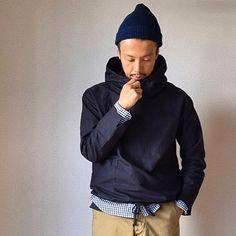 裾にはドローコードを仕込んでいますので、絞り方次第でシルエットを調整いただけます。 ギュッと絞って膨らみ持たせて、ワイドパンツとブラウジング風に。今の気分たっぷりな着こなしなんていかがでしょう。 #decho #nisica #manualalphabet #workersjapan #comoda_akashi #明石 #神戸 #姫路 #加古川 #兵庫 #大阪 #メンズファッション #メンズスタイル #メンズコーデ #mensfashion #mensstyle #ootd