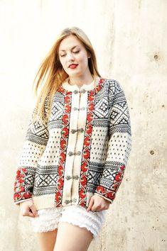 Dale of Norway Crochet Cardigan, Wool Cardigan, Vintage Sweaters, Wool Sweaters, Norwegian Knitting, Fair Isle Knitting, Fair Isles, Knit Patterns, Knitwear
