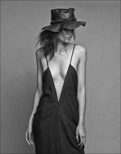 black + white // fashion