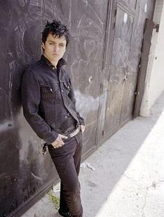 Billie Joe Armstrong inspires me a great deal. As a person, as a singer, and as a guitarist. <3
