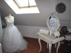 Notre coin des amoureux - Mon coin beauté avec ma robe de mariée - Vous avez aménagé vos combles