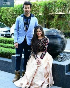 Ahąąnktį.Ł.... Stylish Girl Images, Stylish Girl Pic, Celebrity Outfits, Celebrity Weddings, Indian Fashion Trends, Indian Designer Suits, Bollywood Fashion, Bollywood Couples, Blouse Models