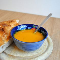 Recipe: the tastiest pumpkin soup ever Pureed Food Recipes, Soup Recipes, Healthy Recipes, Good Food, Yummy Food, High Fiber Foods, Eating Eggs, Healthy Slow Cooker, How To Cook Potatoes